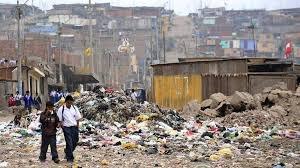 """En algo menos de 50 años, Argentina multiplicó """"el Estado por 3, los planes sociales por 32 y la pobreza por 11""""."""